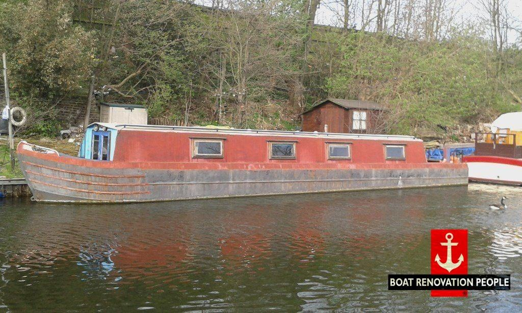 Side shot of a springer narrow boat from 1976