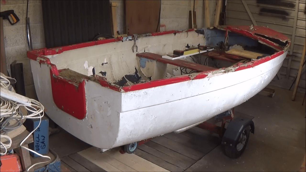 A Simple Rowing Boat Restoration