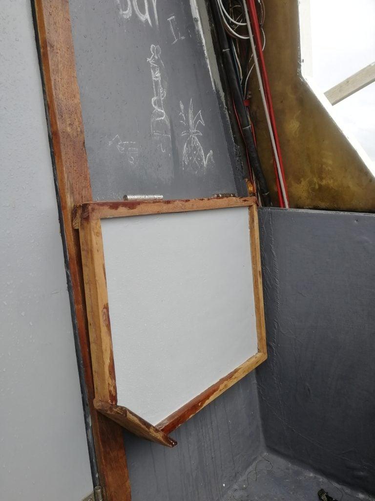 A DIY drop-down table
