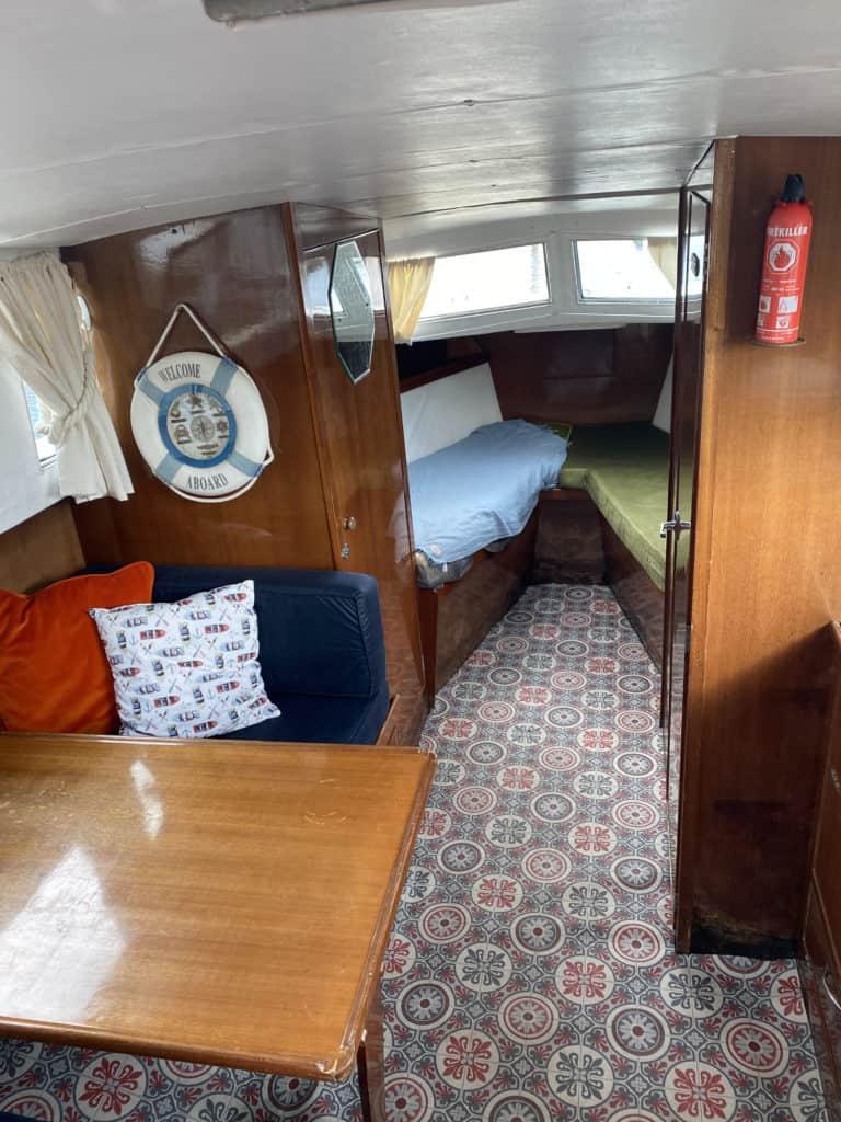 lake cruiser V Berth