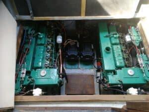 Seamaster 950 Engine Bay